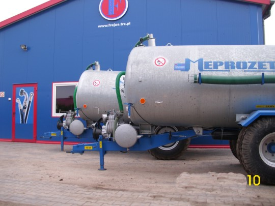 Wóz asenizacyjny - 6000 litrów